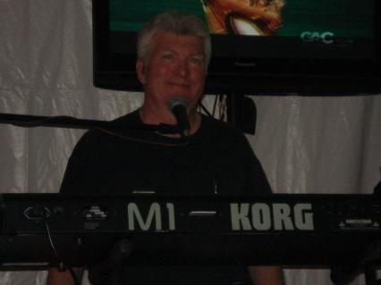 Channel 2's Steve Long on the Keyboard!